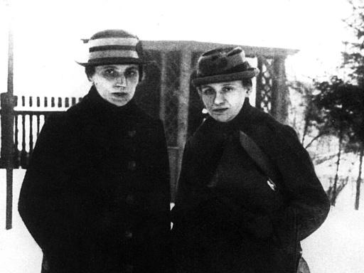 Leiterin des Frauensekretariats beim SPD-Parteivorstand Marie Juchacz mit Elisabeth Kirschmann-Röhl, 1917